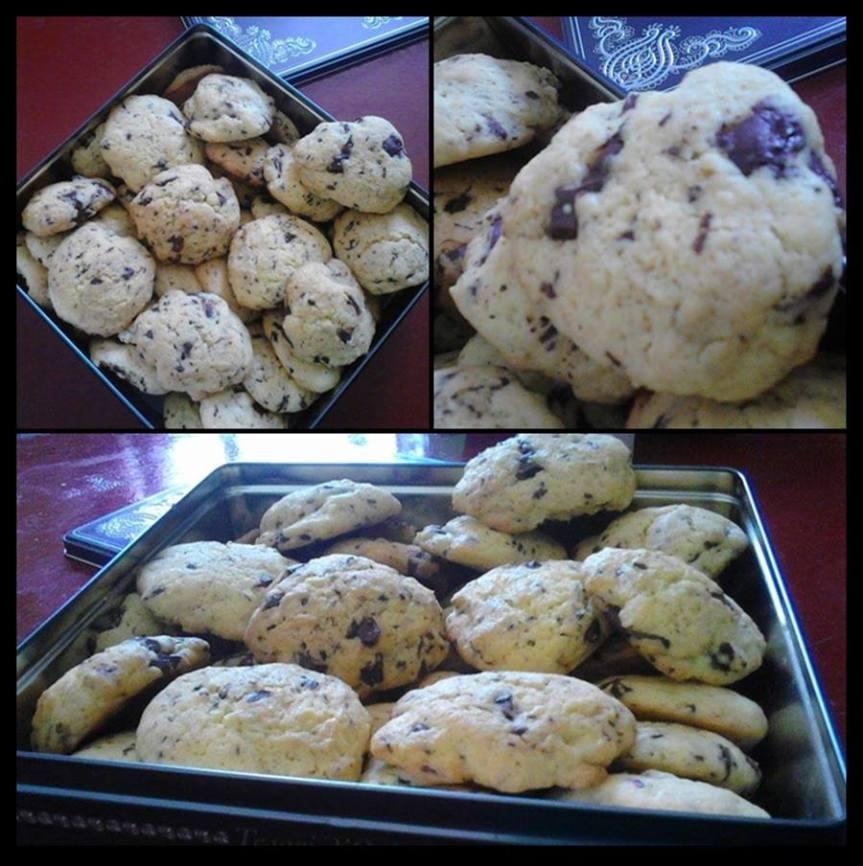 -le ricette di Claudia-                                        Biscotti con gocce di cioccolato, facili e veloci per merendesfiziose.